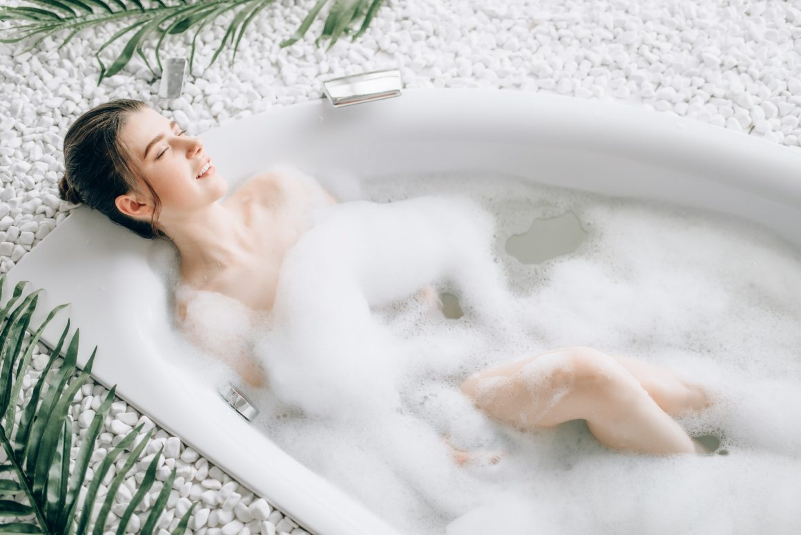 Green tea bath with foam