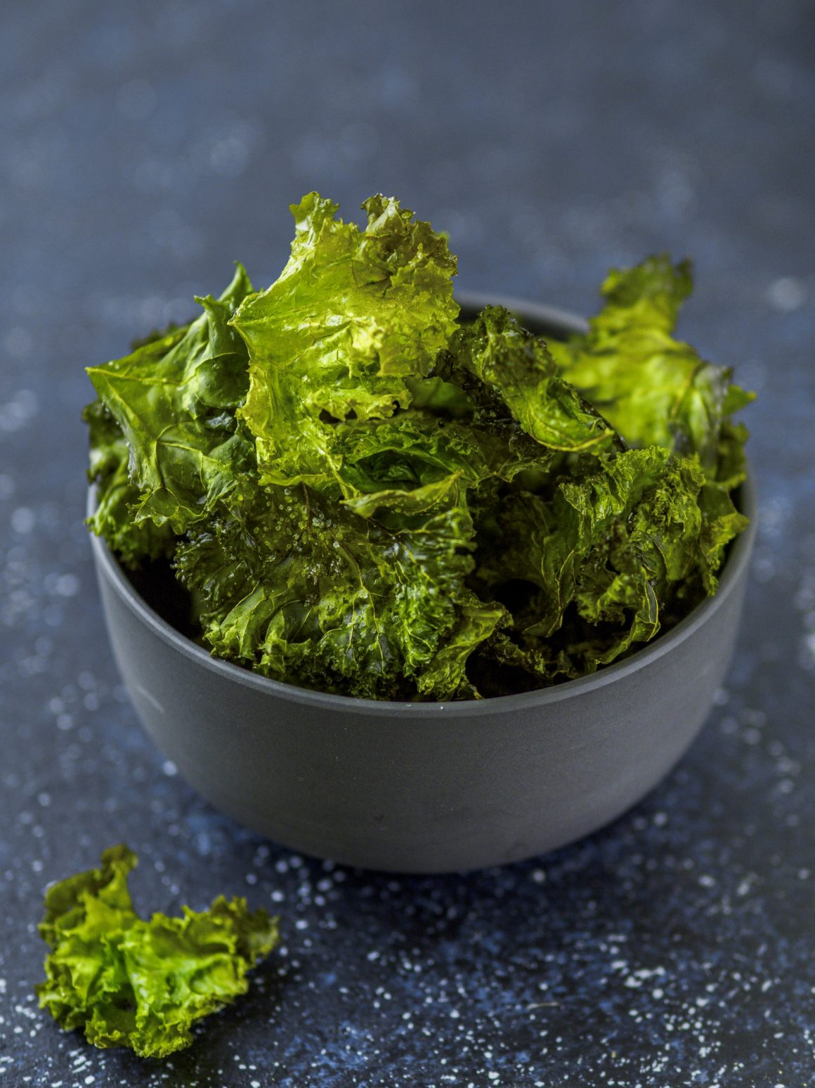 Kale Chips ready-to-eat, vertical