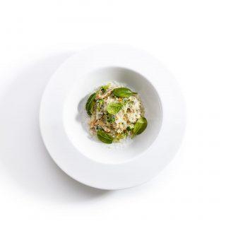 Vegetarian mushroom risotto with broccoli
