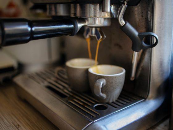 coffee machine makes espresso coffee