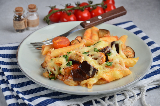 Baked pasta with eggplant